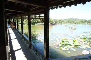 photo,material,free,landscape,picture,stock photo,Creative Commons,Summering mountain cottage Fang Zhou Pavilion, bridge, roofed passage connecting buildings, boat, Ch'ing