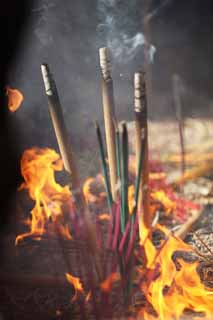 photo,material,free,landscape,picture,stock photo,Creative Commons,A HangzhouLingyingTemple incense stick, Buddhism, An incense holder, An incense stick, Smoke
