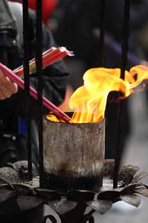 photo,material,free,landscape,picture,stock photo,Creative Commons,A HangzhouLingyingTemple incense stick, Buddhism, An incense stick, worshiper, Smoke