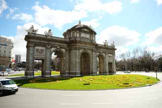photo,material,free,landscape,picture,stock photo,Creative Commons,The Puerta De Alcala, , , ,