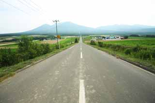 photo, la mati�re, libre, am�nage, d�crivez, photo de la r�serve,Une route de la ligne droite de Furano, champ, Mt. Tokachi-dake, Le pays, d�cor rural